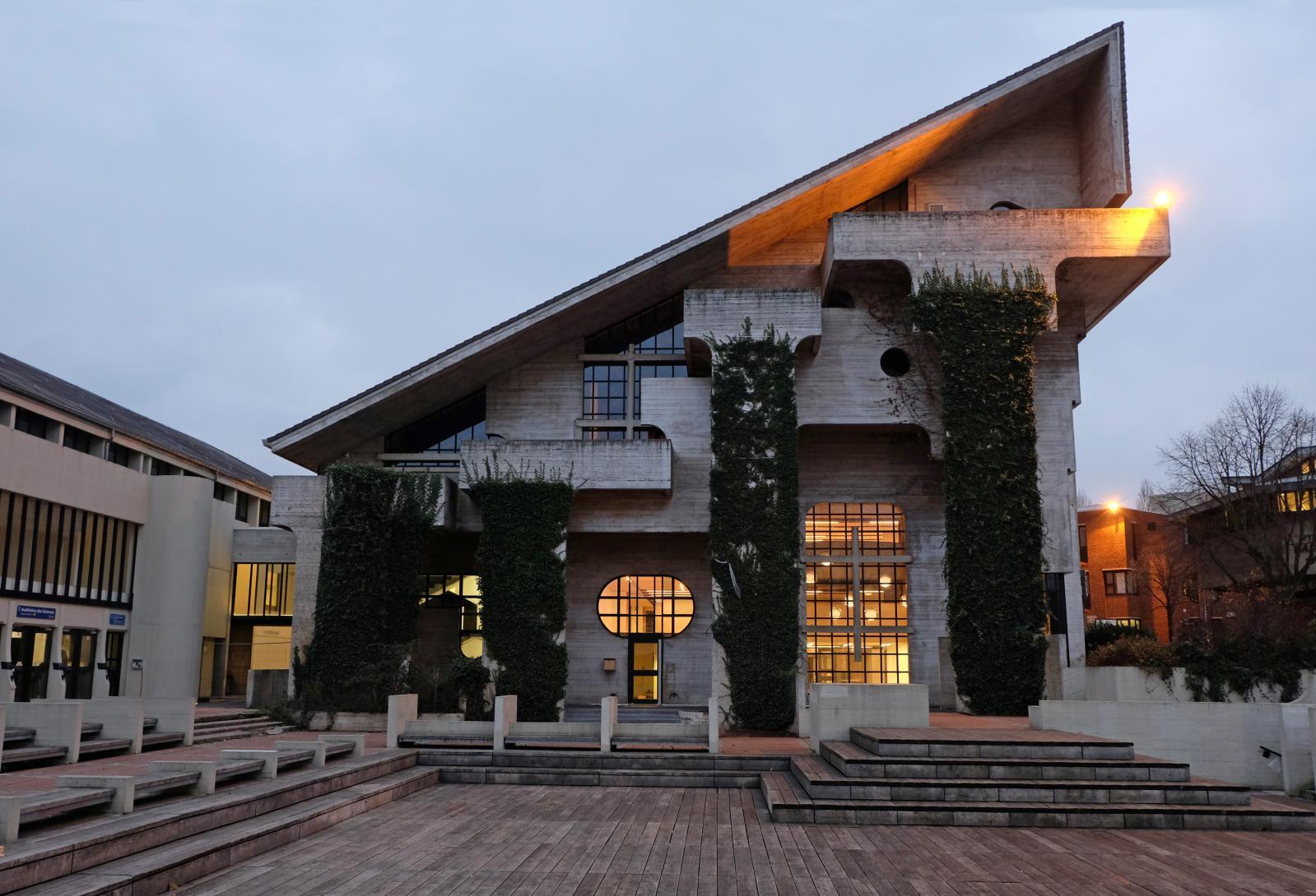 La façade du Musée L, à Louvain