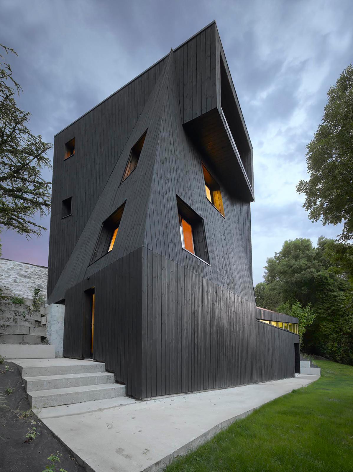 La résidence Saint-Ange, conçue par l'architecte Odile Decq.