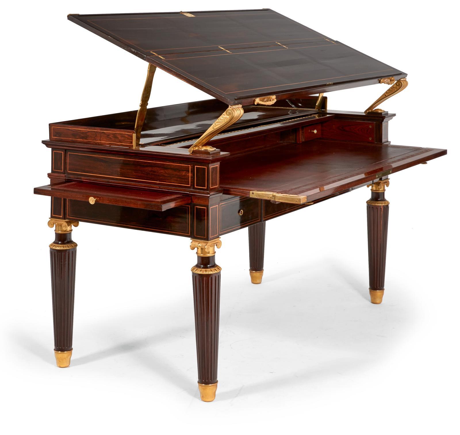 Jean-Christophe Fischer (1779-1854), bureau en palissandre et placage de palissandre, le plateau formant table à dessin, le rideau démasquant un dessu