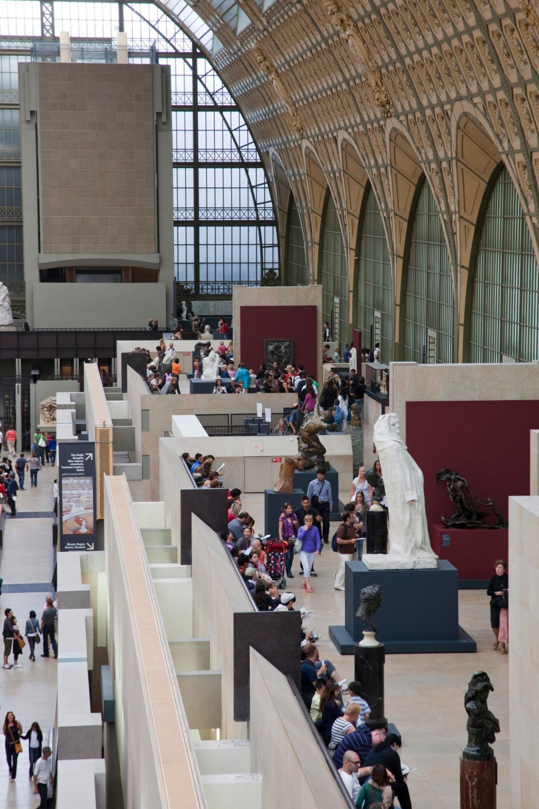 La galerie Françoise Cachin et la terrasse Rodin au musée d'Orsay.