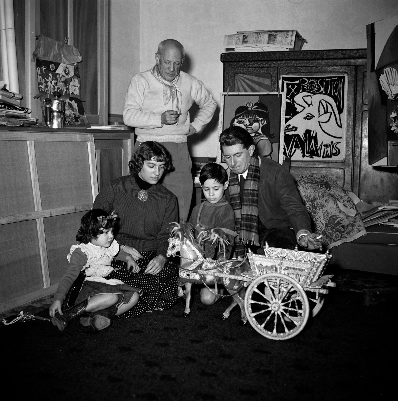 In this photo taken by Edward Quinn in 1953 in Vallauris, Picasso is seen with his four children: Paloma, Maya, Claude and Paulo.