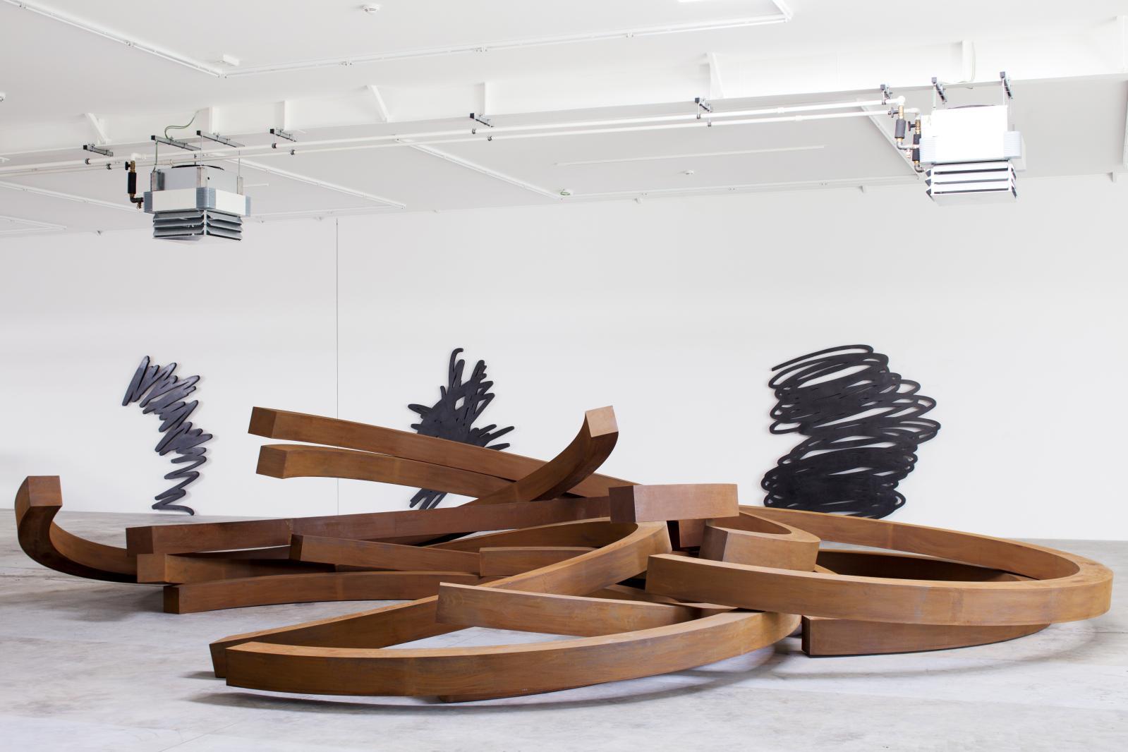 Exposition Bernar Venet à la galerie du Luxembourg en 2015.