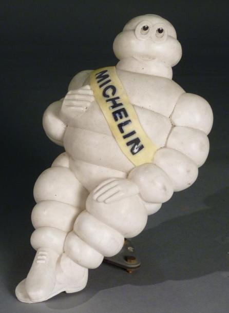 153€ Bonhomme Michelin en plastique, h.40cm. Paris, Drouot, 20avril 2012. AguttesOVV. M.Plaisance.