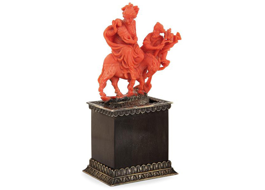 8294€ Atelier de Trapani, première moitié du XVIIIesiècle, La Fuite en Égypte, groupe en corail rouge d'une seule pièce, sculpté en ronde bosse, so