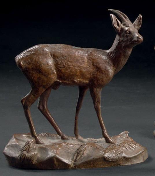 20599€ Antoine-Louis Barye (1796-1875), Gazelle d'Éthiopie, bronze patiné, signé, 8,5x8,3x4,2cm. Drouot, 13 avril 2016. Fraysse & AssociésOVV.