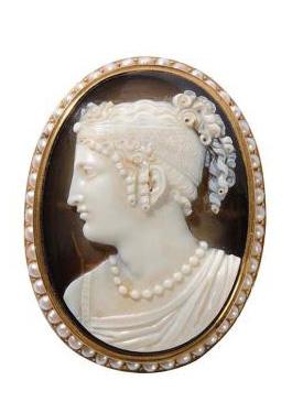 10271€ Nicolas Morelli(1771-1838), camée ovale en agate monté en broche, représentant le portrait présumé de Caroline Murat, reine de Naples et sœu