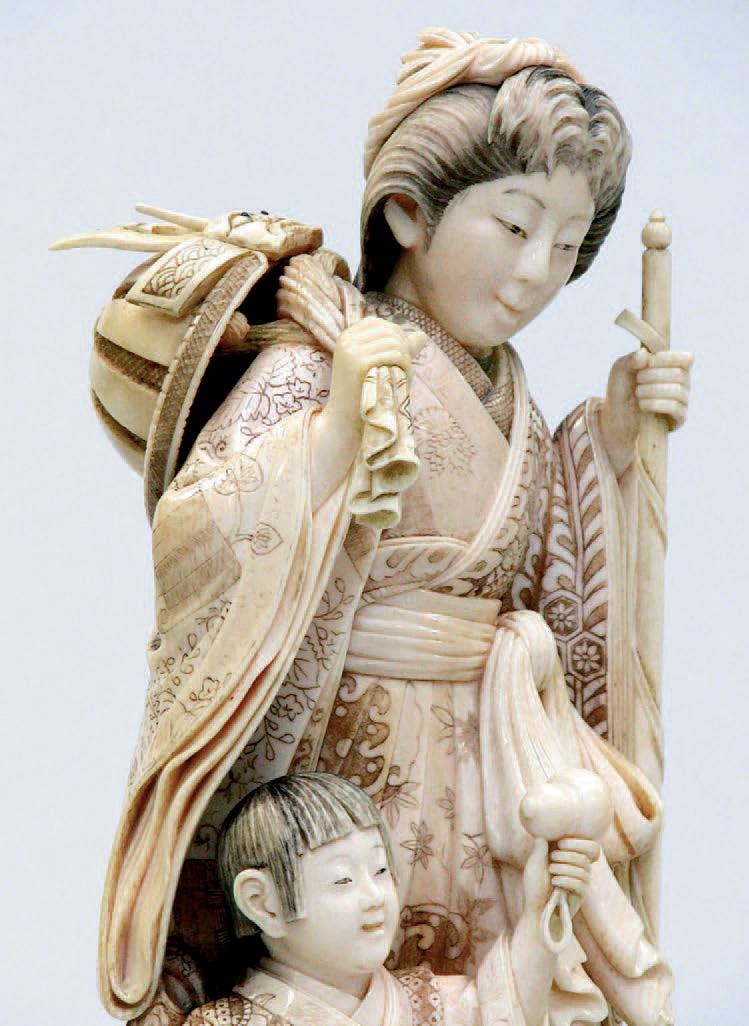 Okimono en ivoire représentant un jeune samouraï, fin du XIXe siècle. H. 23,5 cm (détail).La Varenne -Saint-Hilaire, 17 décembre 2006, Lombrail–Teucqu