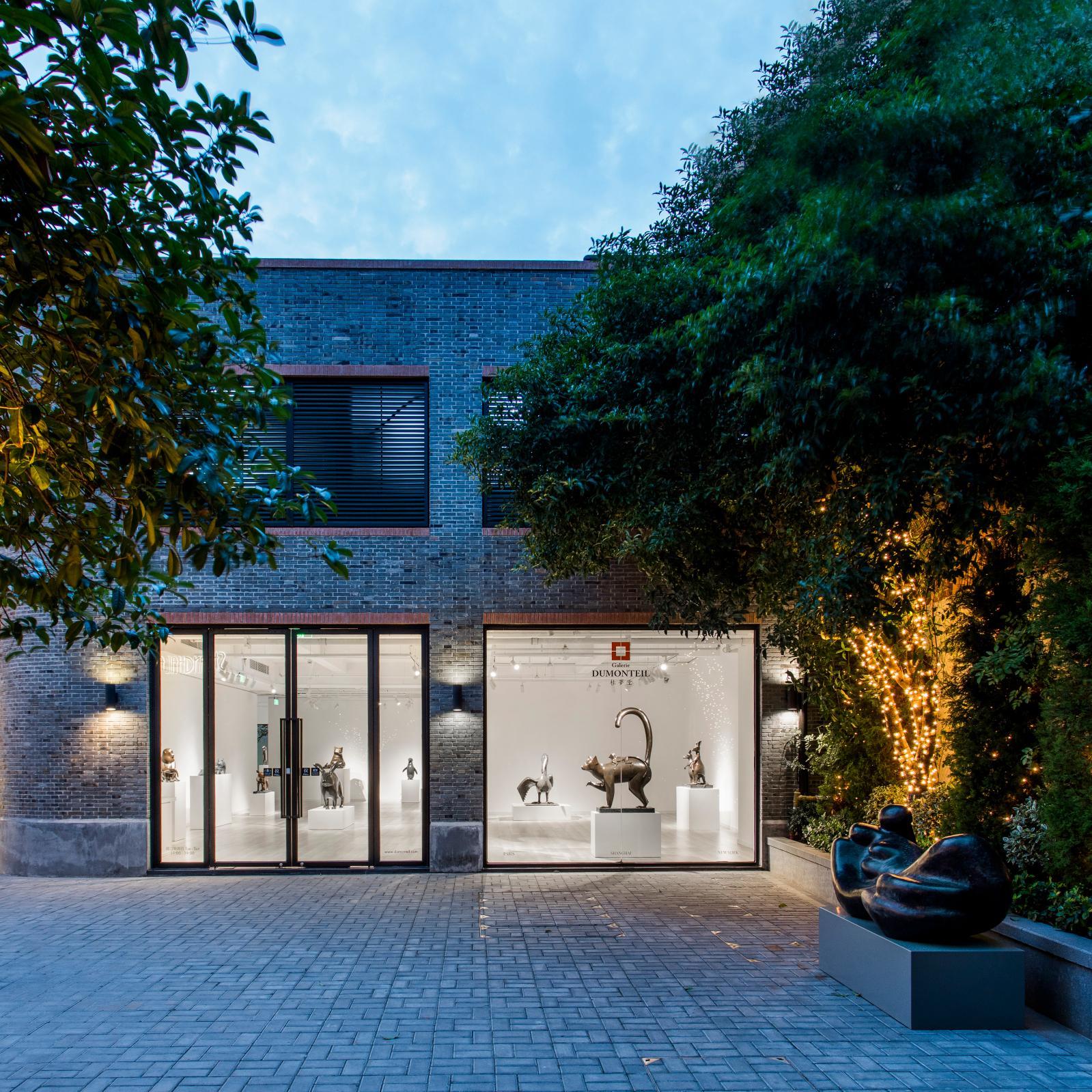 La galerie Dumonteil a ouvert un espace à Shanghai en 2008.