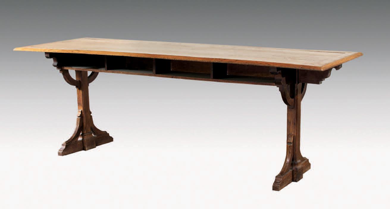 Table de réfectoire en chêne blond, 78x260x65cm. Paris, Drouot-Richelieu, 8avril2009. Beaussant - Lefèvre SVV. MM. Bacot et de Lencquesaing.29