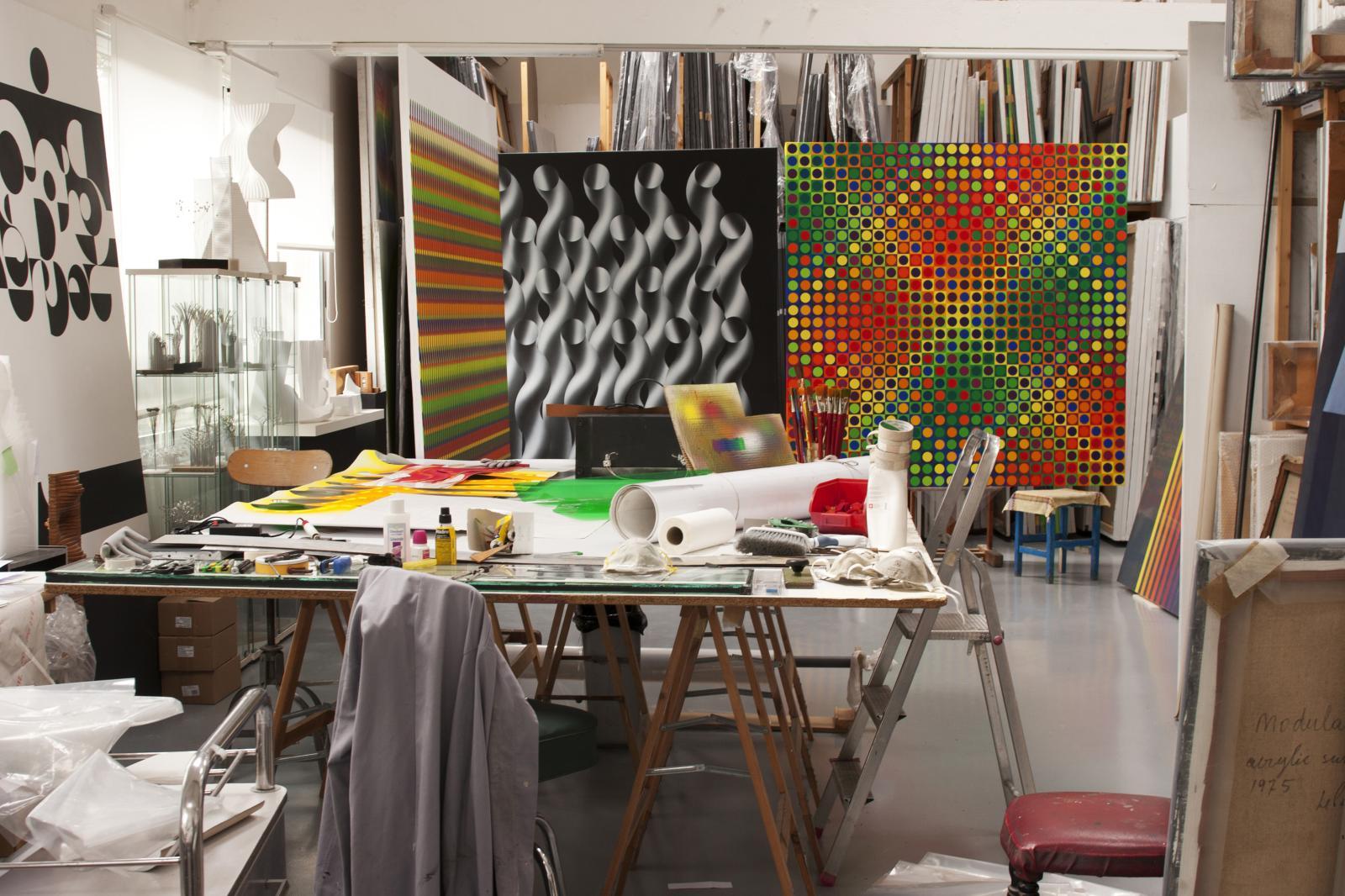 vues de l'atelier de l'artiste. Courtesy Julio Le Parc/Atelier LeParc