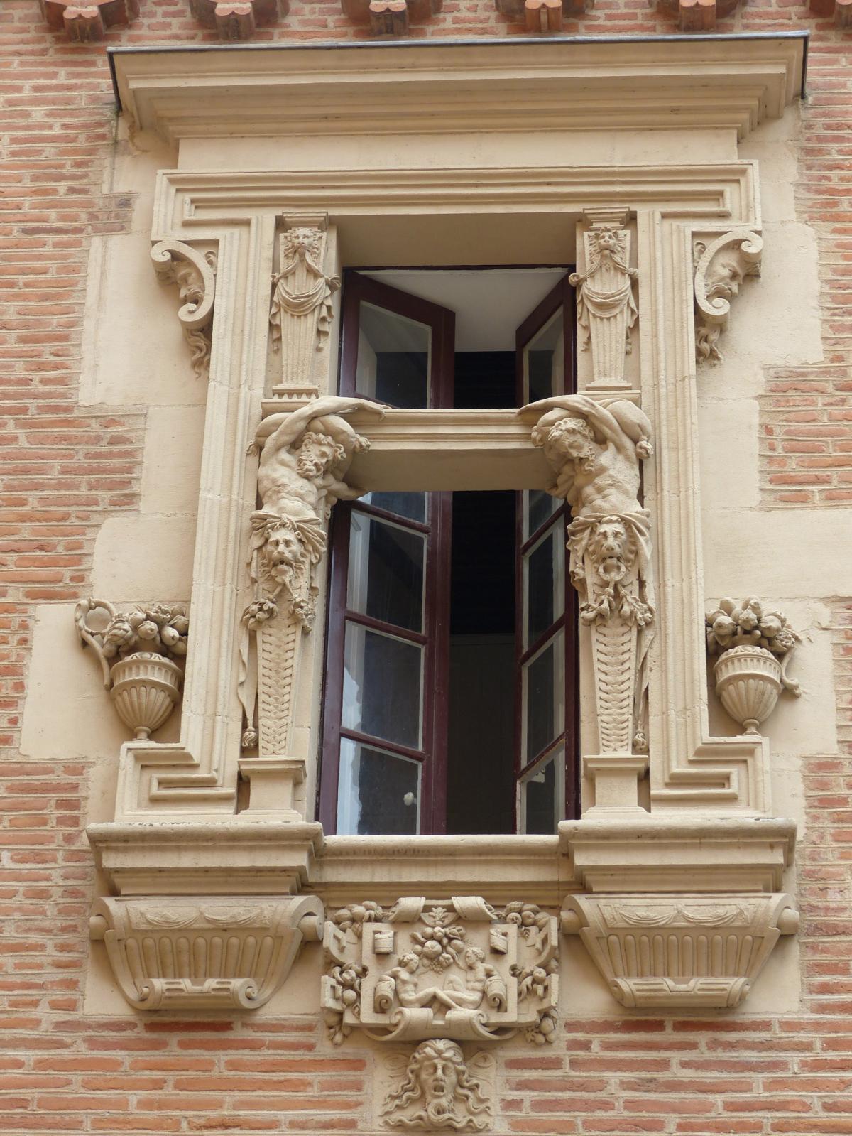 Hôtel de Lasbordes, dit «du Vieux-Raisin», Toulouse.