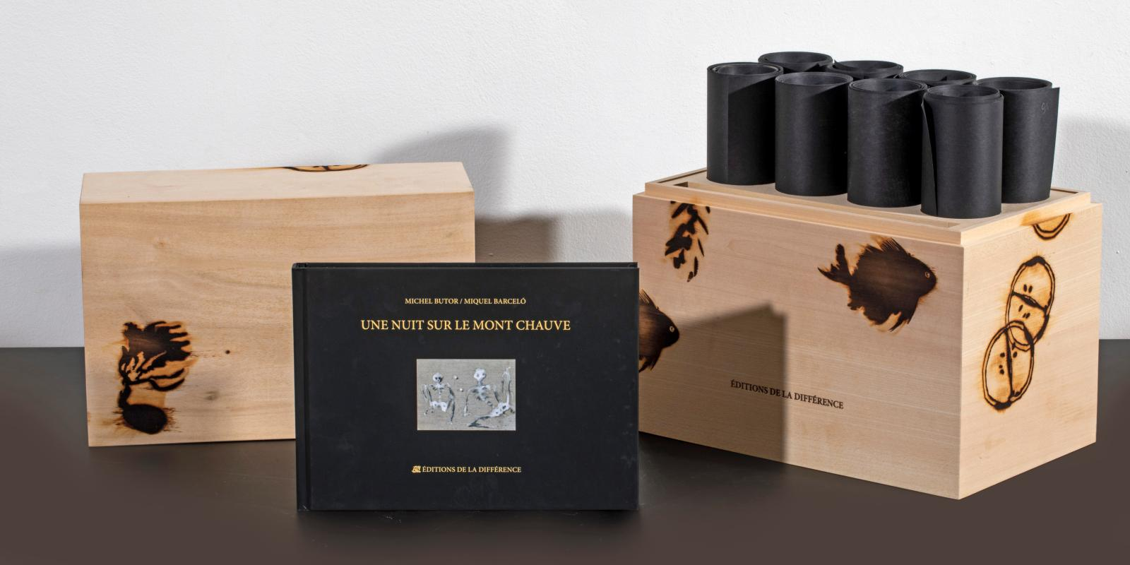 Miquel Barceló (né en 1957) et Michel Butor (1926-2016), Une nuit sur le mont Chauve, édition limitée à 99 exemplaires de 8 rouleaux de papier noir de