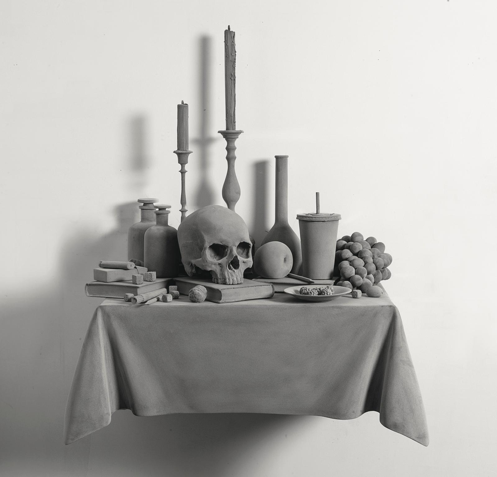 Hans Op de Beeck (né en 1969), Vanitas (Variation) 5, 2015, plastique pigmenté, bois.