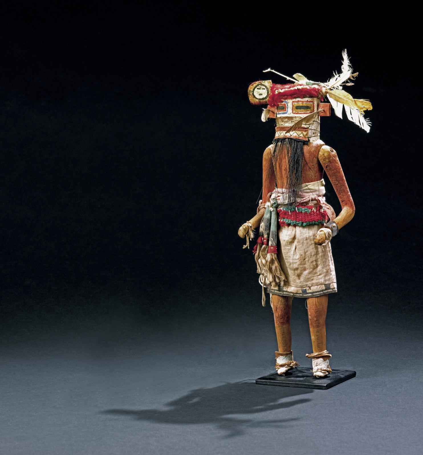 Kachina hilili zuni, Arizona, États-Unis, vers 1920-1930, h.35cm. Paris, Drouot, 1ermars 2013.Binoche et GiquelloOVV. M.Lacoste. Adjugé: 7200€