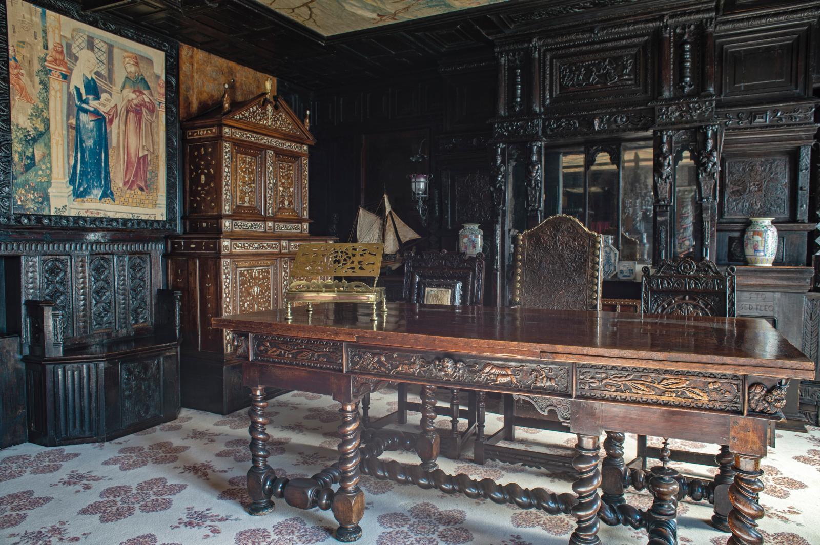 The oak gallery.
