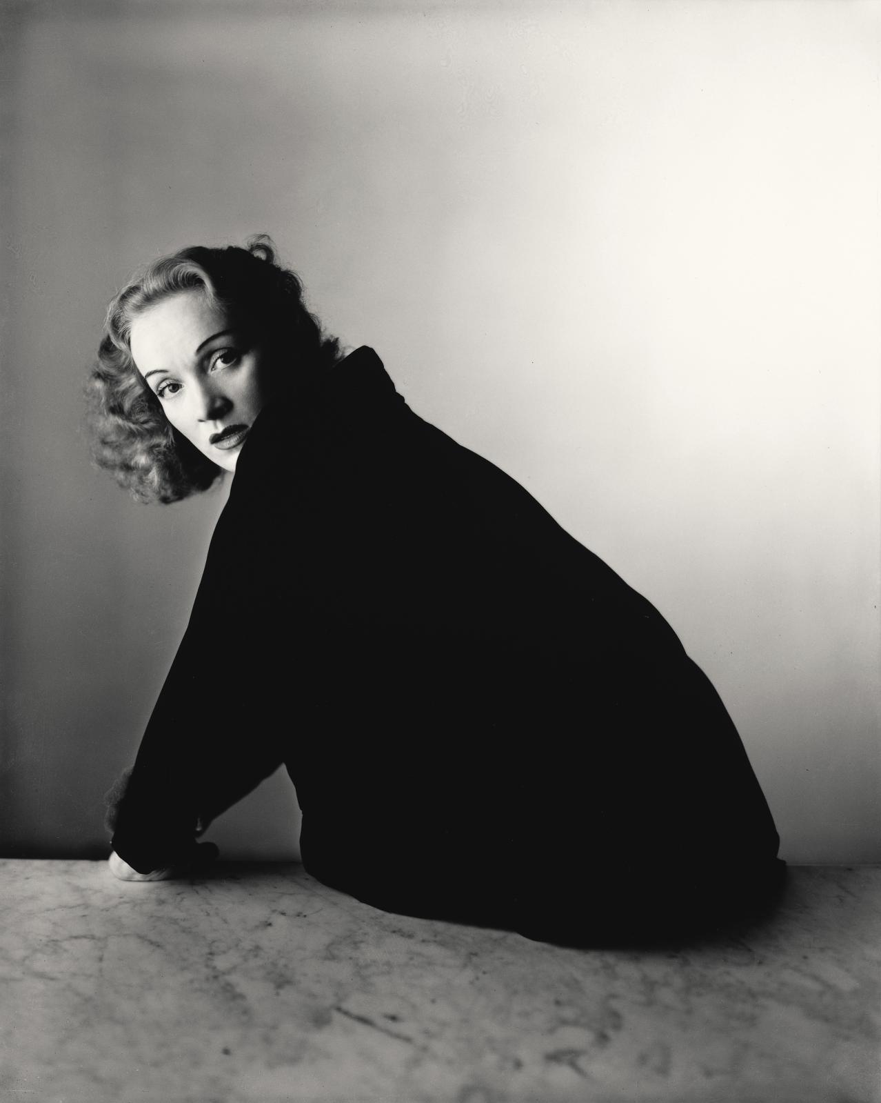 Marlene Dietrich, New York, 1948, épreuve gélatino-argentique, 2000, 25,4x20,6cm, The Metropolitan Museum of Art, New York, Promised Gift of The Ir