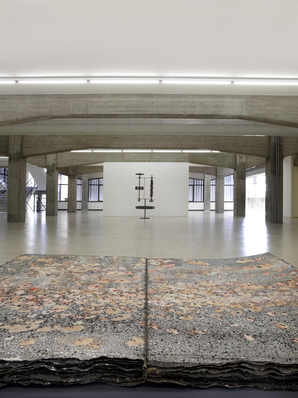 Le premier étage de la Collection Maramotti, avec des œuvres d'Anselm Kiefer et d'Ettore Colla. ©Dario Lasagni