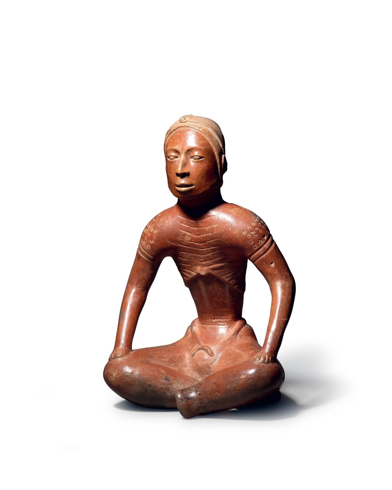 Culture colima, Mexique occidental, protoclassique, 100 av. 250 apr. J.-C. Personnage assis, céramique à engobe brun orangé. h.33, l. 21cm. Estimati