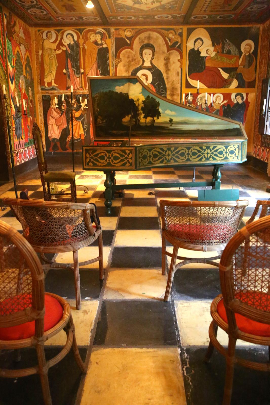 À Rio, la Capela Magdalena, à la fois chapelle, lieu de concert et musée privé de reproductions miniatures de trains, bateaux, châteaux et édifices cé