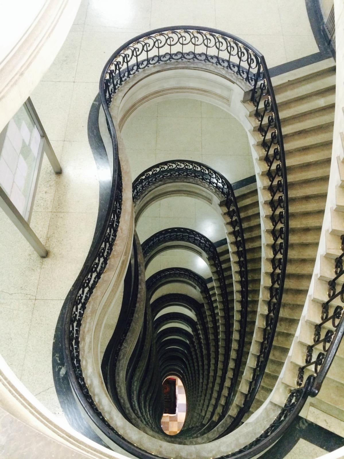 L'escalier spectaculaire de l'ancien ministère des Finances, à Rio. © Jean-François Rauzier