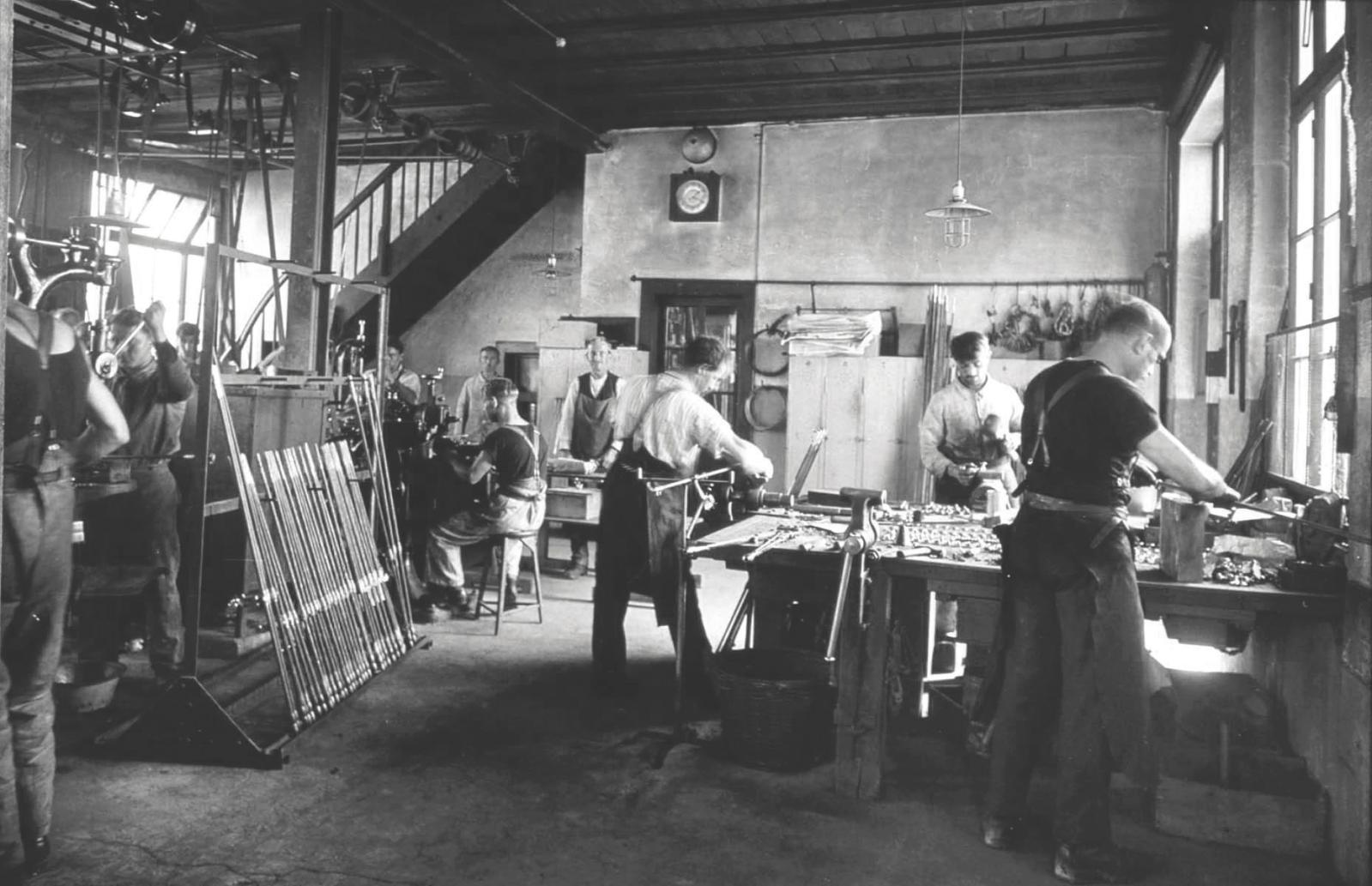 L'atelier USM autour des années 1920.