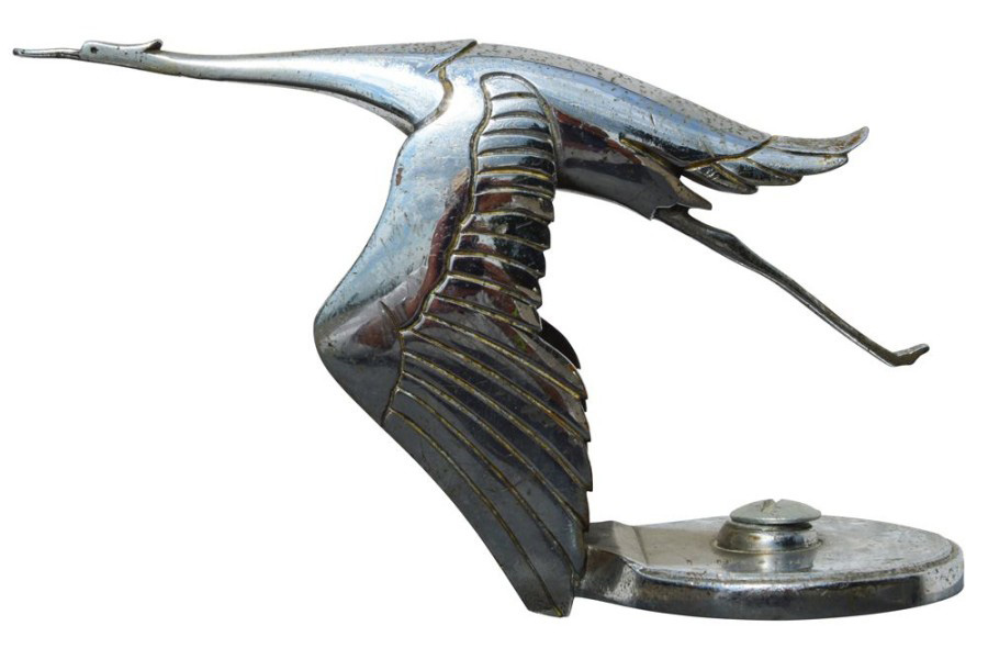 €1,612 François Victor Bazin (1897-1956), stork, mascot of Hispano-Suiza cars, large silver-plated bronze model, signed, numbered 3325, h. 12.5 cm. Fo