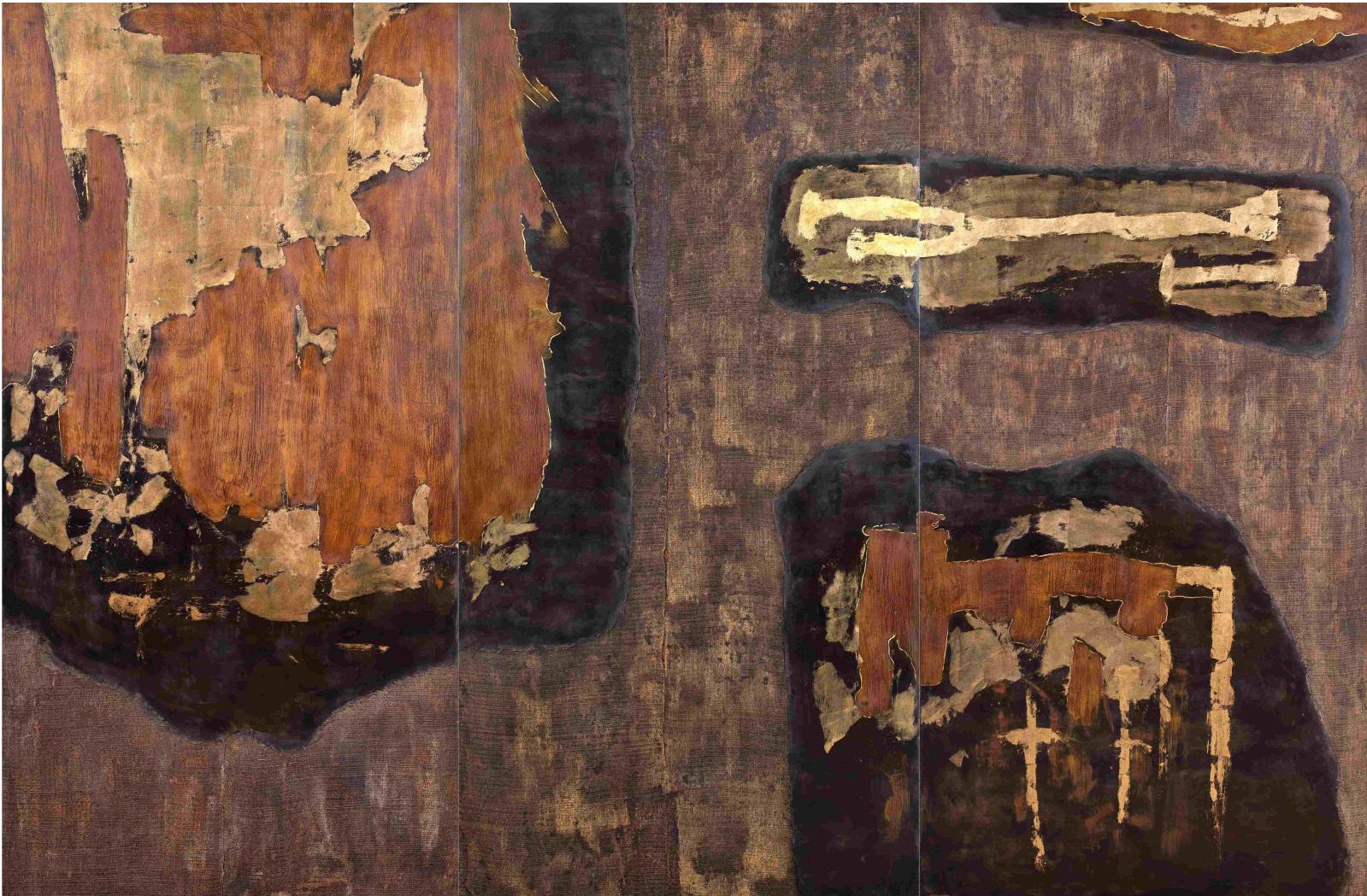 Wensen Qi(né en1977), Untitled, 2013, triptyque, laque de Chine sur panneaux,toile de lin et chanvre, feuilles de bronze oxydées, feuilles d'or, 180
