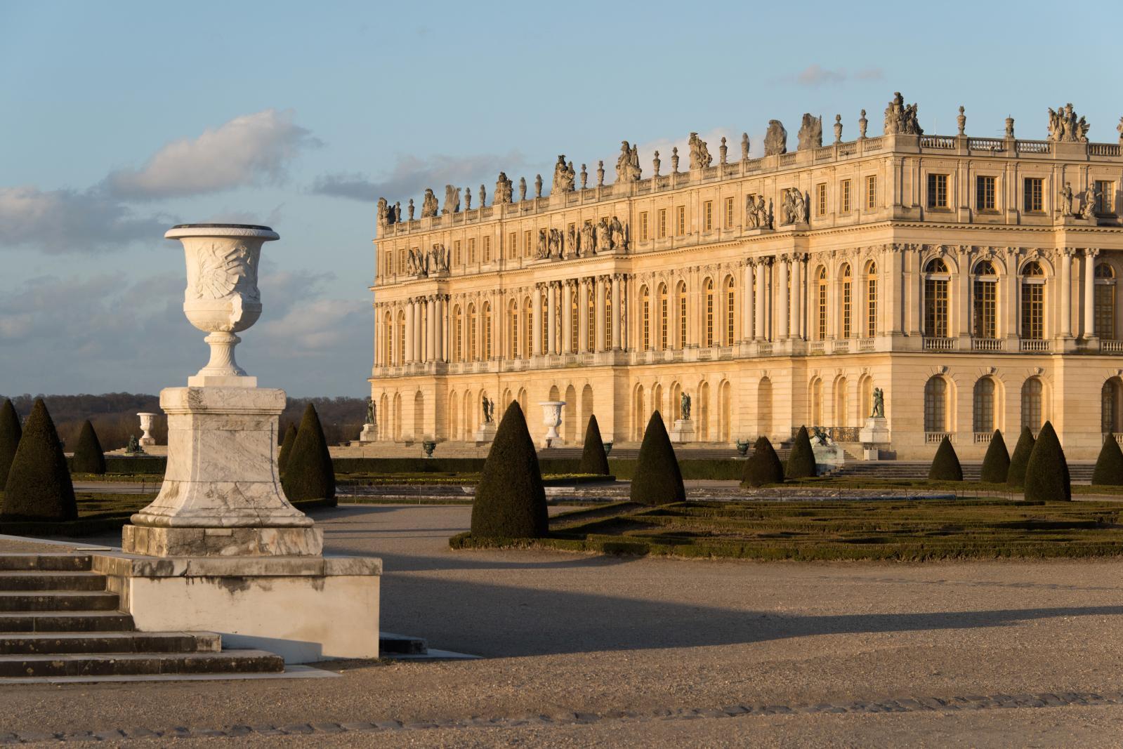 La façade ouest du château, côté jardins. ©Thomas Garnier