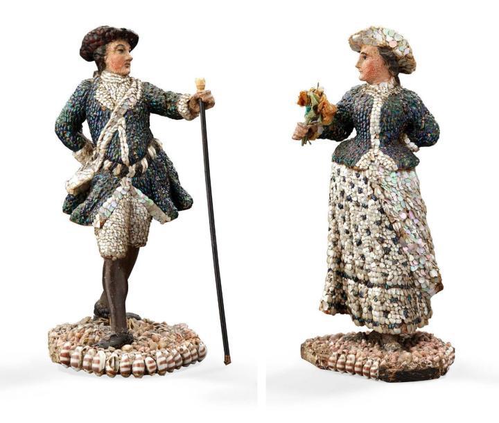 4200€Allemagne, probablement Postdam, vers 1780-1785, couple dans le goût de Johan Mathias Jansen, vêtements en éclats de nacre, coquillages et élyt