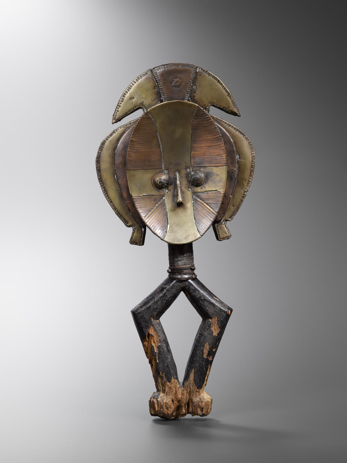 La célèbre figure de reliquaire Kota du Gabon provenant de la collection Hubert Goldet. © Hughes Dubois