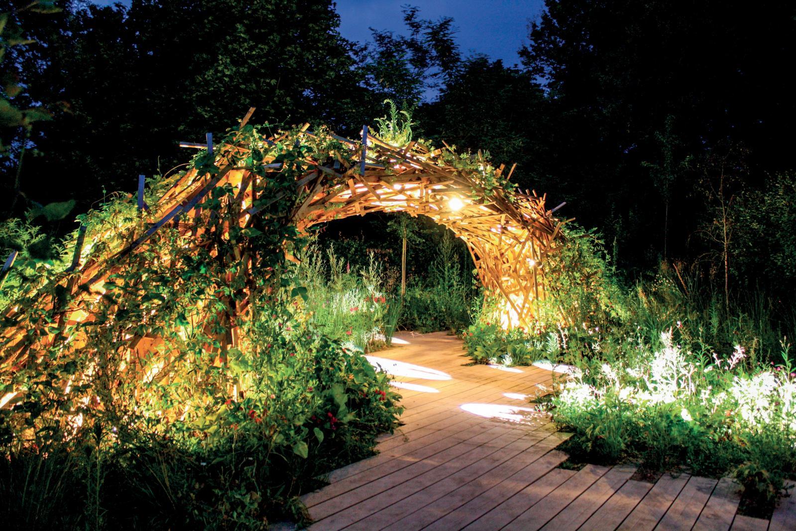Marguerite Ribstein et Grégory Cazeaux, Explosive Nature, 2016, «Jardin du siècle à venir». © DR