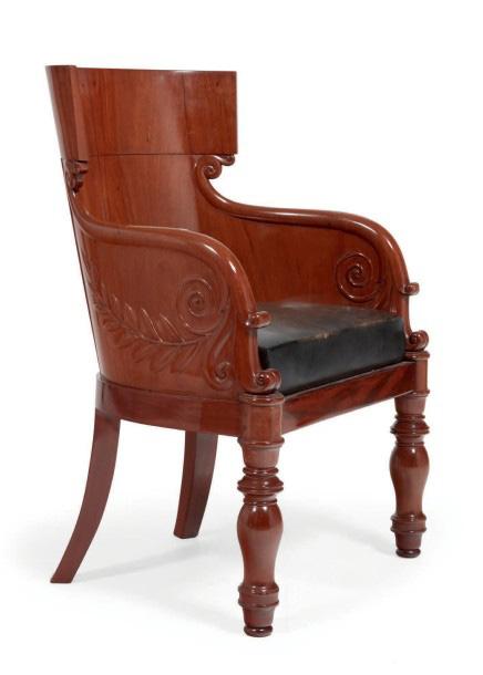 10304€Jacob Frères, fauteuil de bureau dit «à l'étrusque», acajou et placage d'acajou. Époque Consulat. 96x71cmx47cm.Drouot, 14 octobre2016.