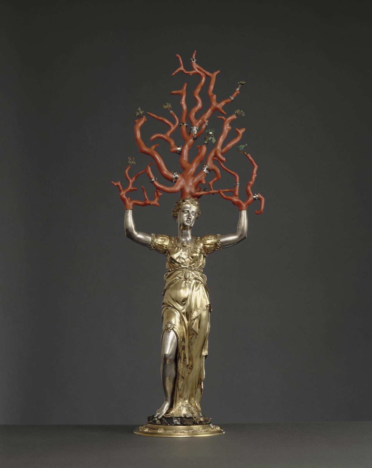 Wenzel Jamnitzer (1508-1585), Daphné, Nuremberg, XVIesiècle, argent, corail, dorure, 67,7x26cm. ©RMN-Grand Palais (musée de la Renaissance, châte