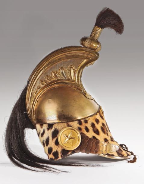 67498€Casque d'officier de dragons de la garde impériale «à la Minerve», France, époque premierEmpire, après 1806, cuir, panthère, laiton, crin noi