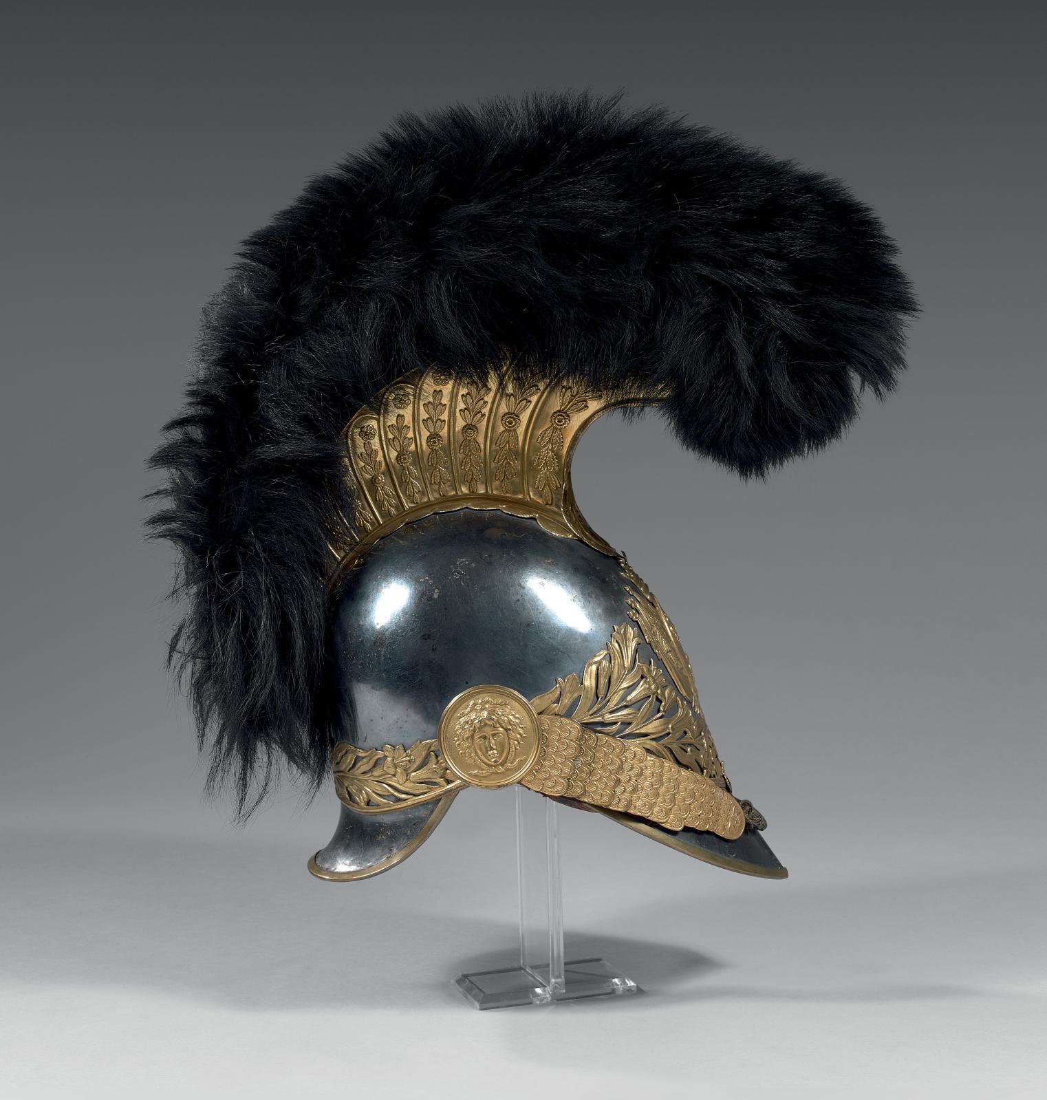 30048€Casque de garde du corps de Monsieur, France, époqueRestauration, 1816, cuivre argenté, laiton doré, cuir, soie, chenille en ourson, aigrette