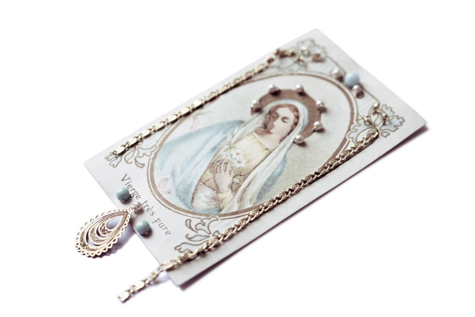 Ex-Voto (série) 2011 images anciennes, perles nacrées et paillettes fantaisie, chaînes, fil de soie. ©Clément H.