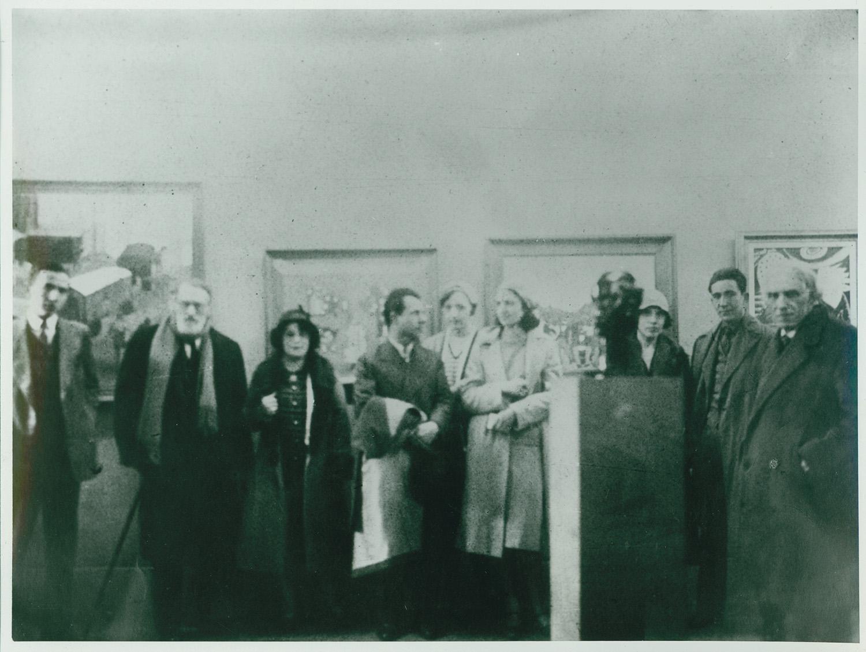 Ci-dessous : image de l'inauguration de la première exposition collective d'artistes latino-américains à Paris, galerieZak, 1930. Pedro Figari (deuxi