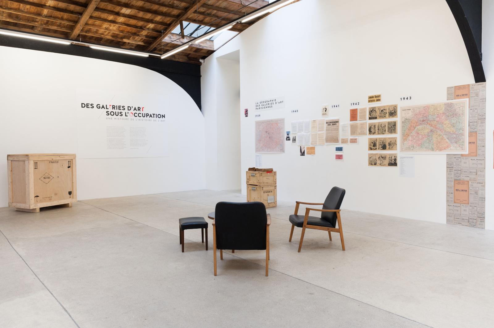 Vue de l'exposition «Des galeries d'art sous l'Occupation. Une histoire de l'histoire de l'art», galerie Frank Elbaz, Paris. ©Photo Raphael Fanelli