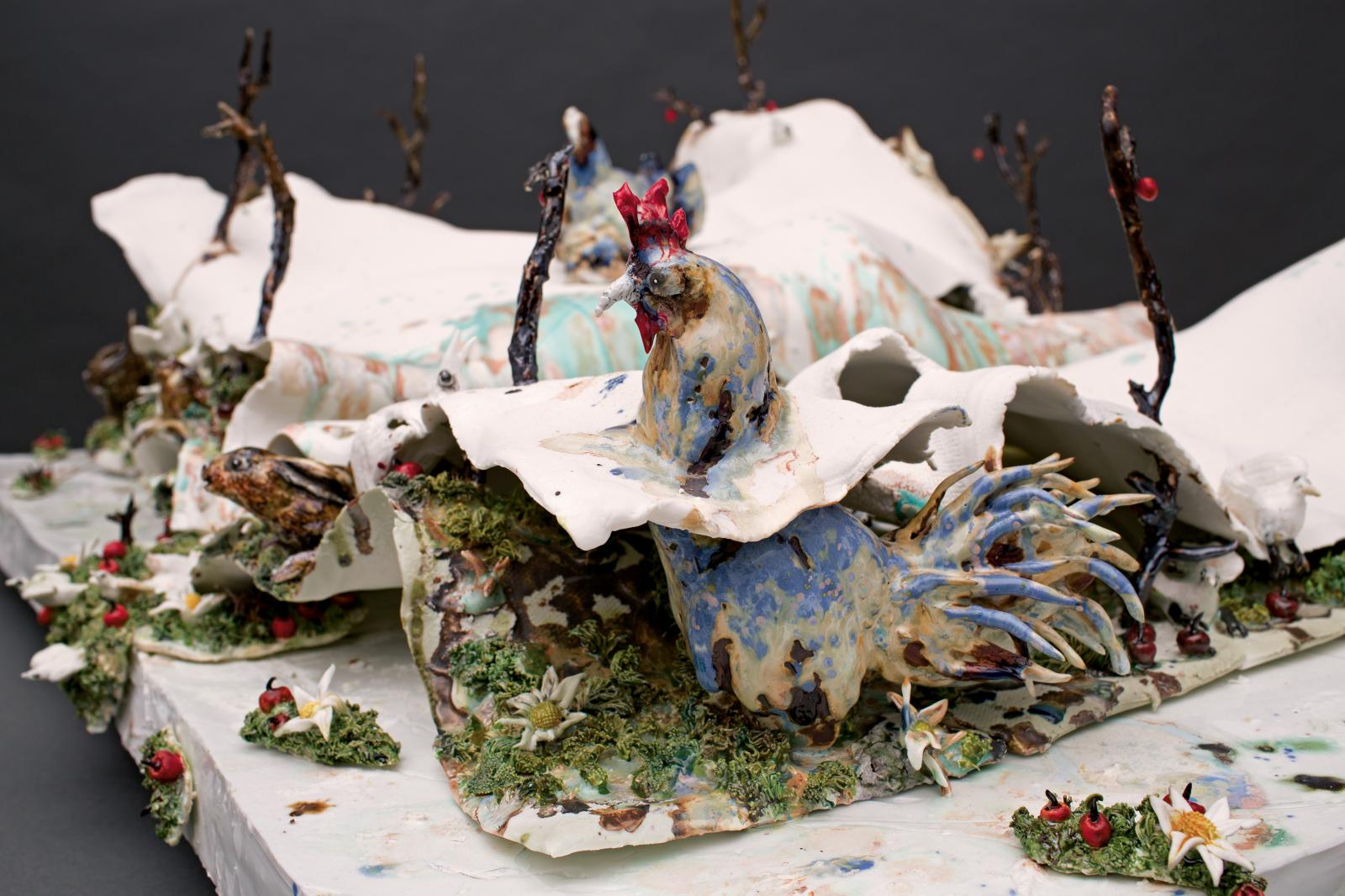 La Vie couvée, 2015-2016, grès et porcelaine émaillés de Sèvres, 42x78x103cm.