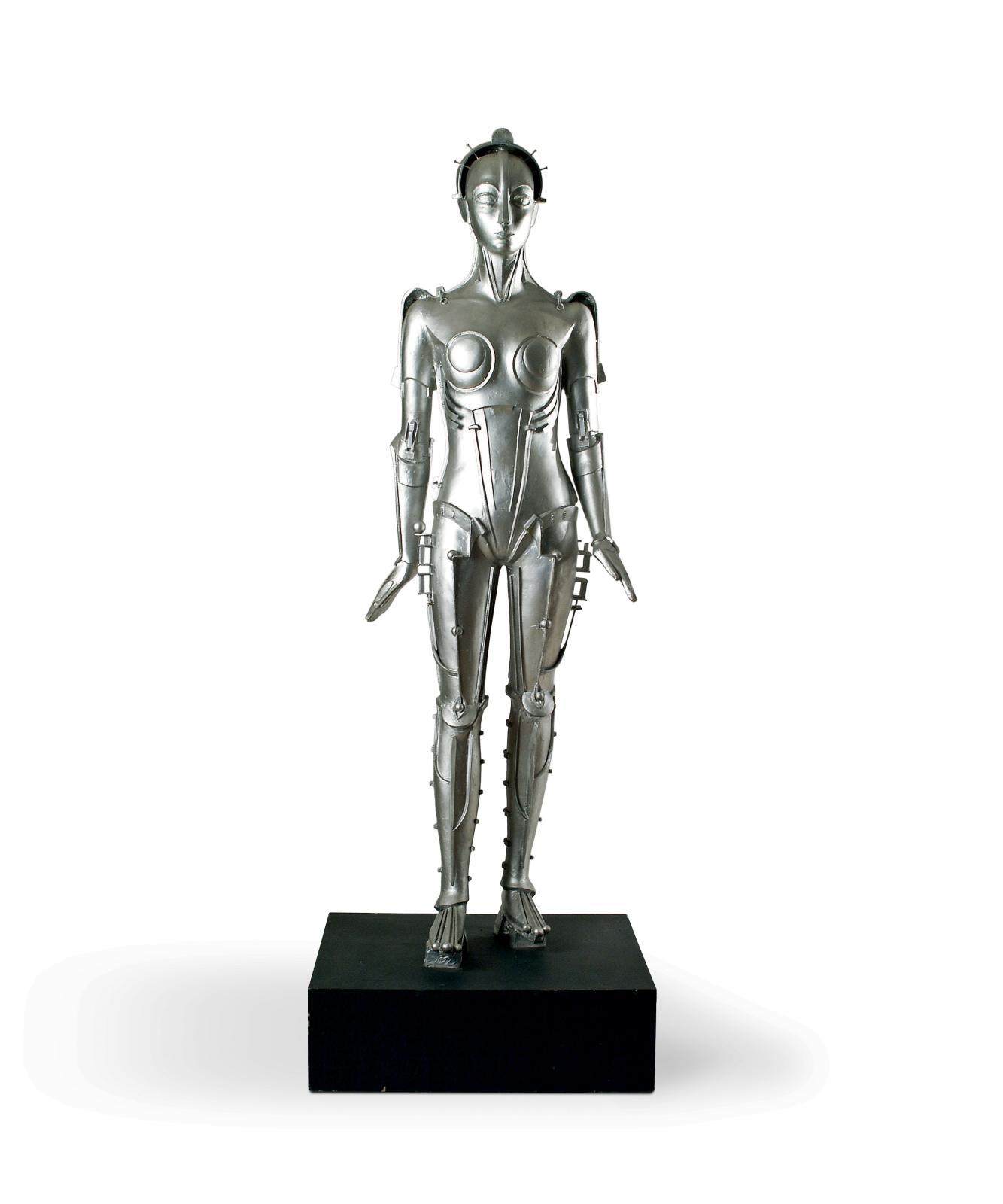 Walter Schulze-Mittendorff, Maria, le robot du film Metropolis (1926) de Fritz Lang, copie réalisée par «Moulages du Louvre» en 1994, résine peinte, 1