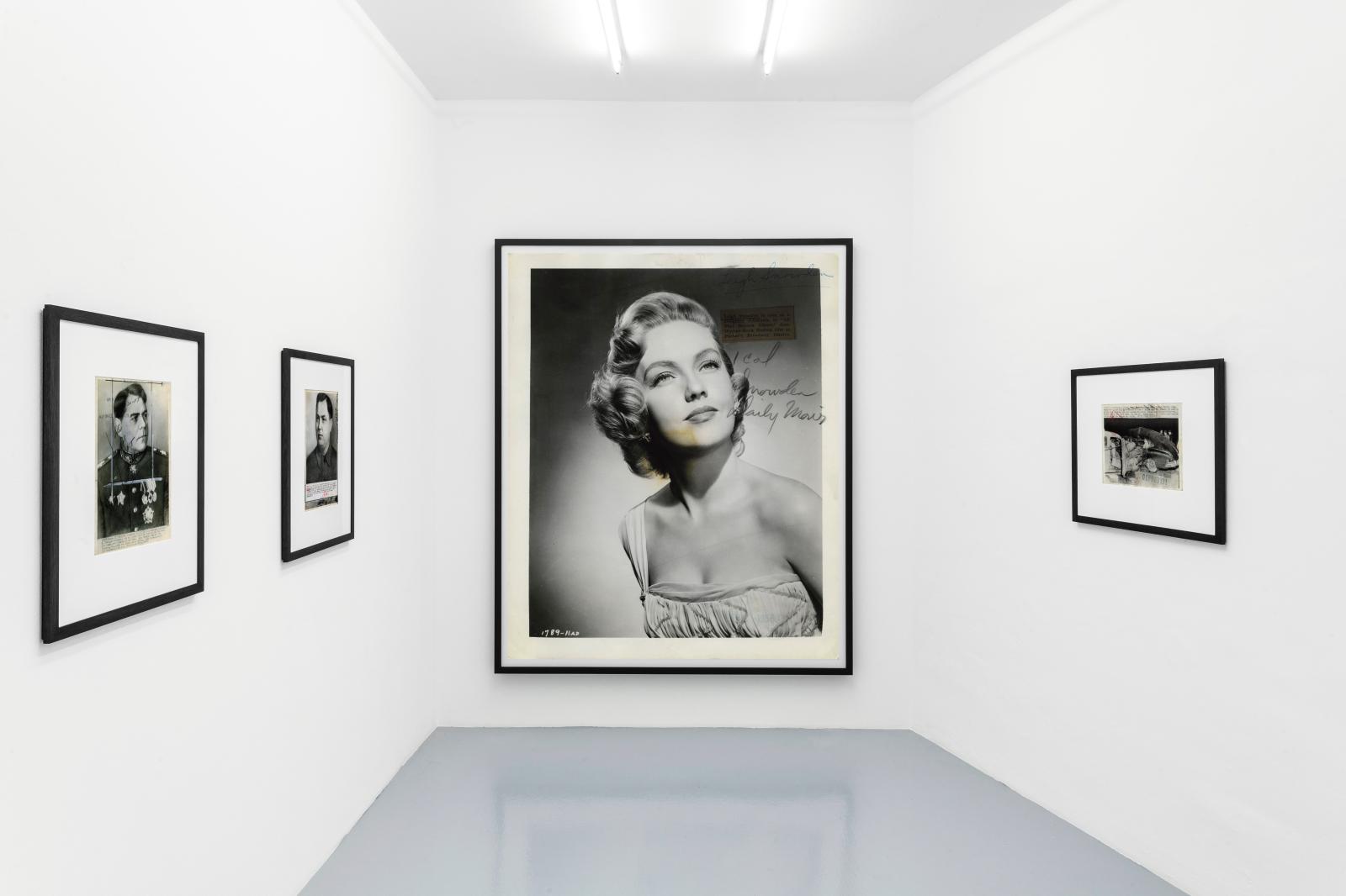 Vue de l'expostion «Thomas Ruff : From the Press» à la galerie Mai 36.
