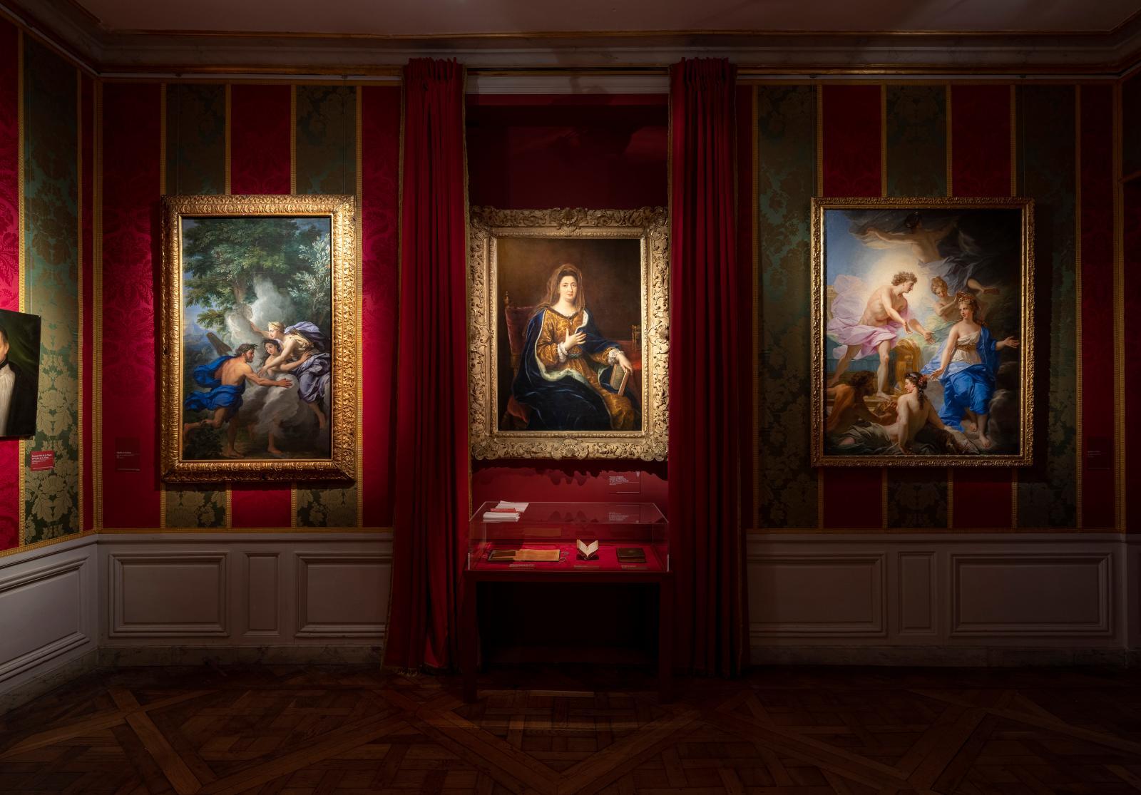"""View of the exhibition """"Madame de Maintenon. Dans les allées du pouvoir"""""""