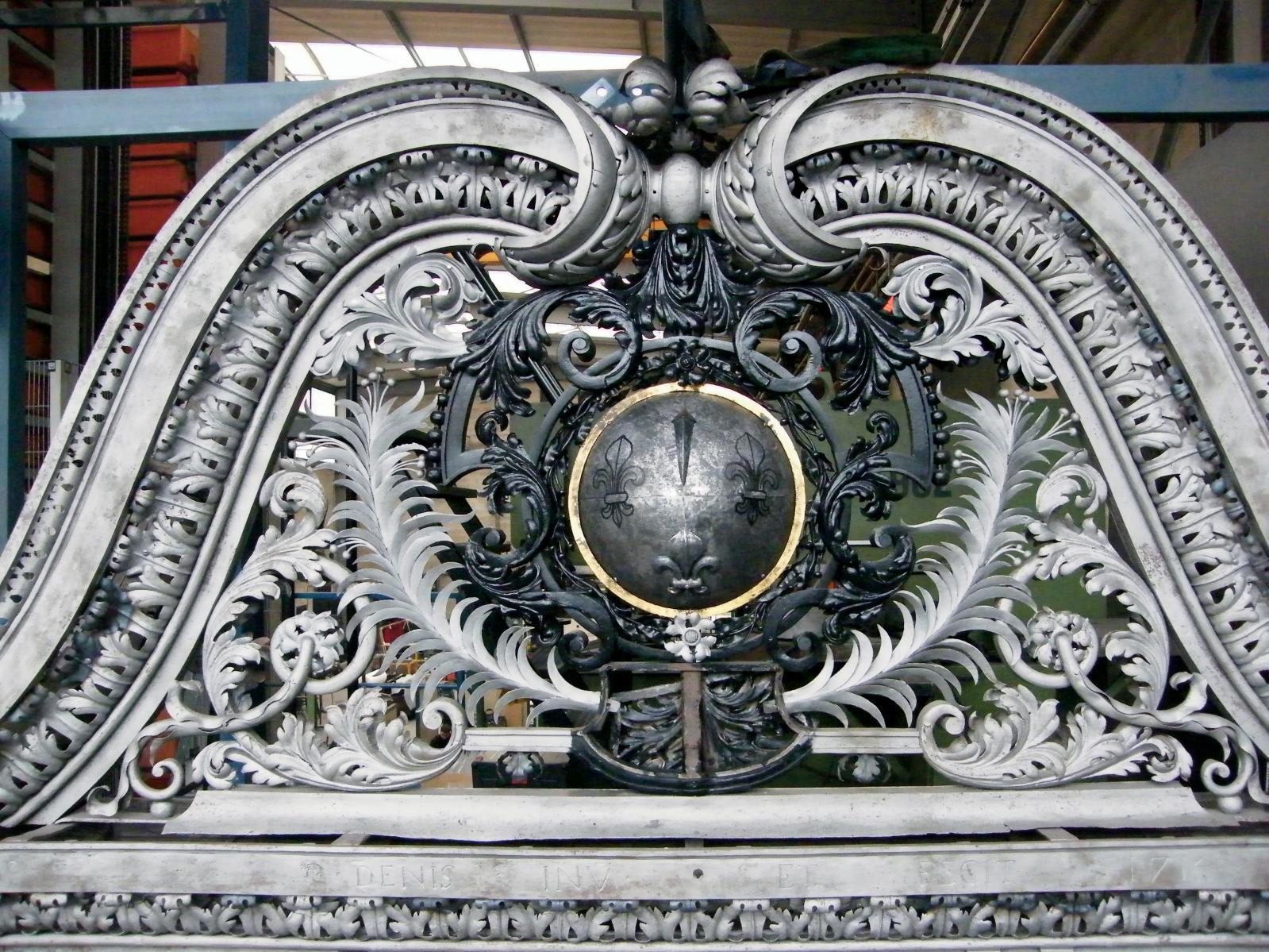 La grille de Pierre Denis,en cours de restauration. DR