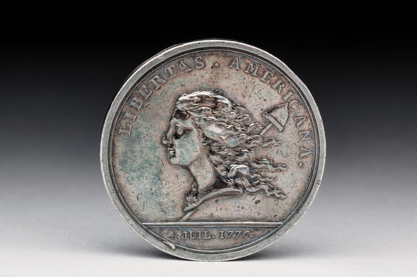 Benjamin Franklin (1706-1790), Libertas Americana, médaille en argent par Augustin Dupré, frappe originale du XVIIIesiècle, diam. 47,5mm, poids 57,6