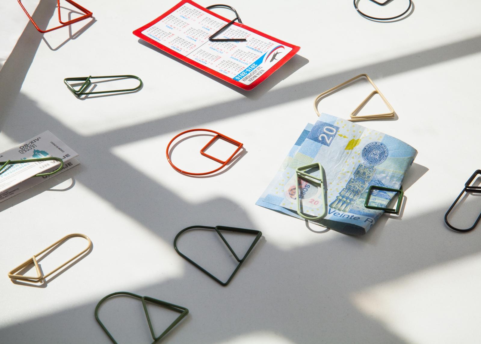 Studio Daphna Laurens, Paper Clips, 4,3x 3,8cm, acier.