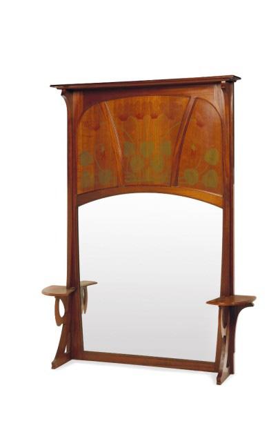 1300€Gustave Serrurier-Bovy (1858-1910), miroir, deux étagères d'angle, vers 1900, acajou, 192x155x 26cm. Drouot, 3décembre 2015.MillonOVV.