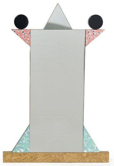 2317€Ettore Sottsass (1917-2007), miroir «Diva», structure en médium ornée d'éléments plaqués de mélaminé polychrome, 110x64cm. Drouot, 28janvie