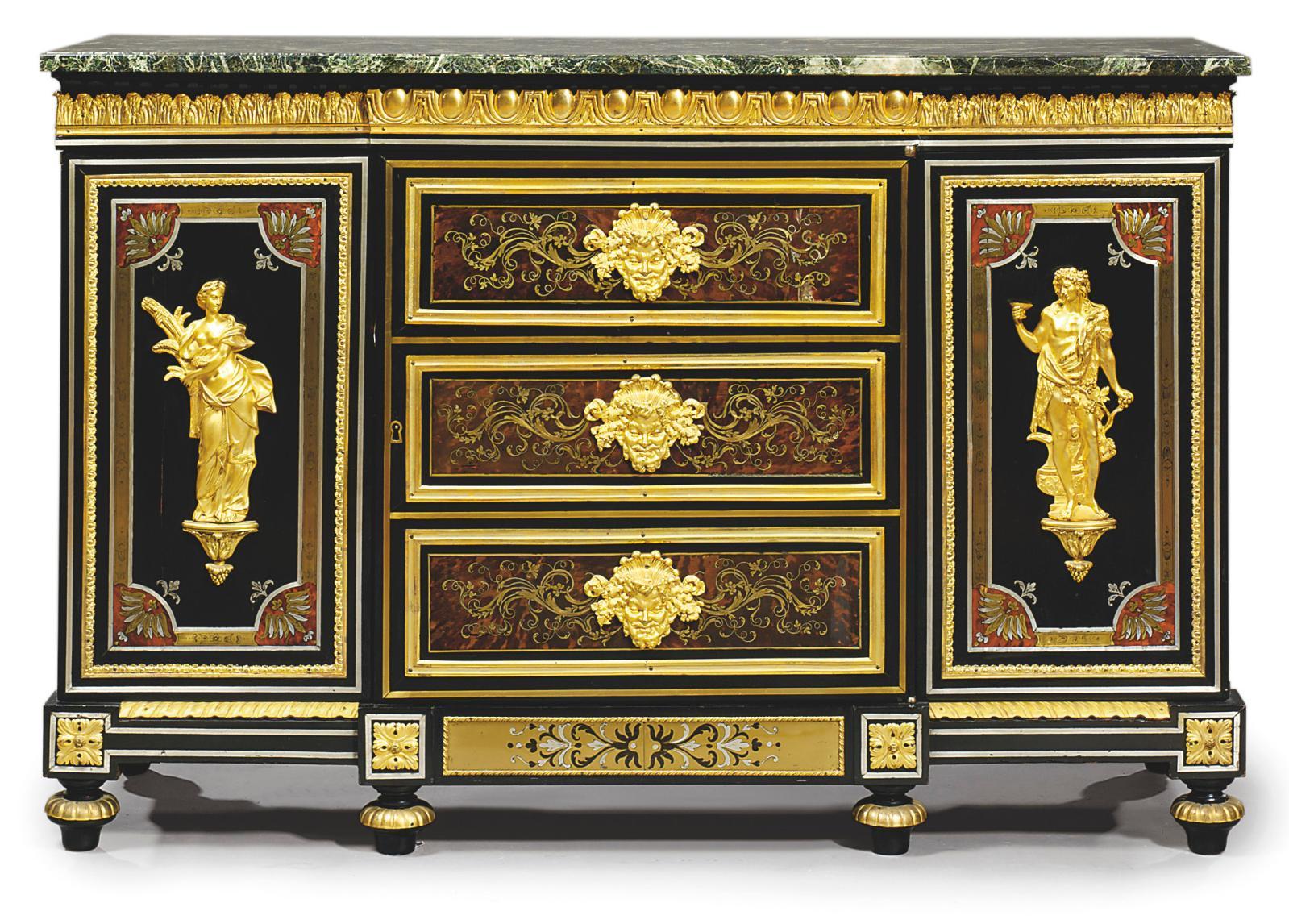 Bas d'armoire (d'une paire) vers 1780-1800, commandé par Julliot, ébénisterie attribuée à Weisweiler reprenant des éléments de Boulle, ébène, bronze d