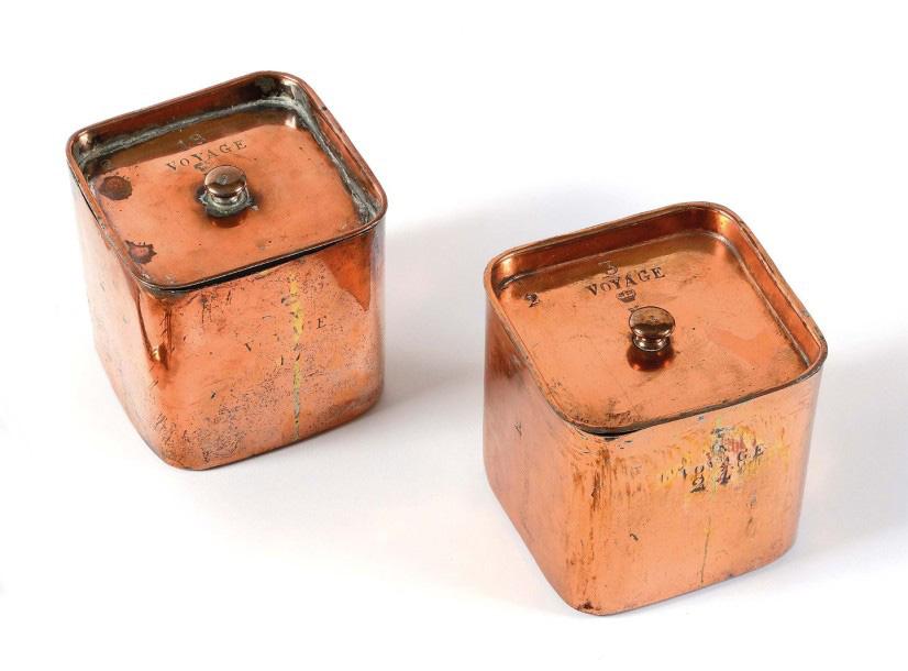 8750€Deux boîtes de cuisine carrées à couvercle du service de voyage de l'empereur NapoléonIer, époque premier Empire, cuivre étamé, 11x11x11c