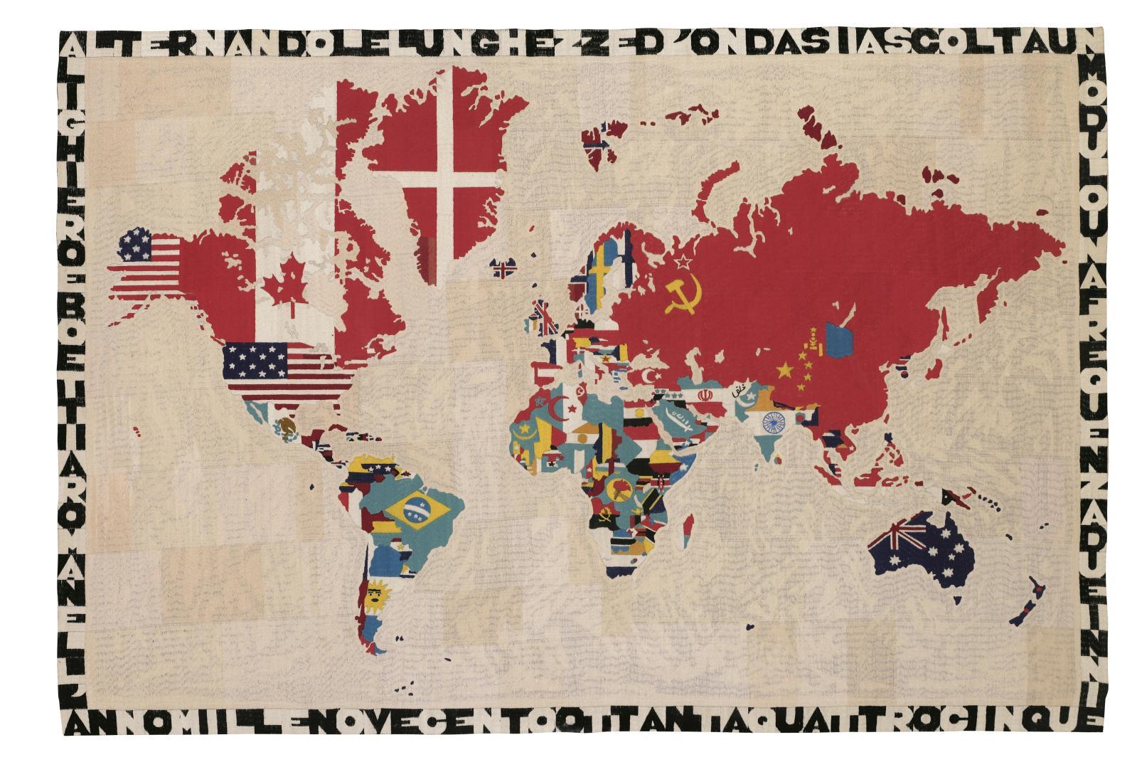 Alighiero Boetti (1940-1994), Mappa del Mondo, 1984, tapisserie sur toile, 115x170,5 cm. courtesy Collection agnès b.